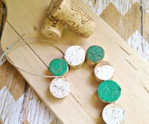 christmas crafts, wine cork ornaments, and ideas4diy image