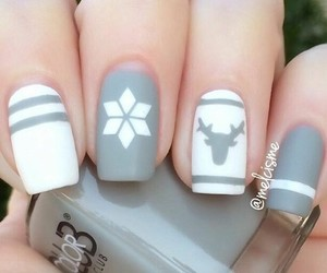 nails and snowflake image