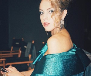 dynasty, expression, and elizabeth gillies image