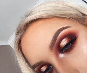 eye makeup image