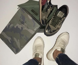 basket, Blanc, and clothes image