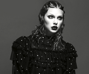 Taylor Swift, Reputation, and vogue image