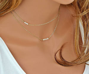 etsy, choker necklace, and freshwater pearl image