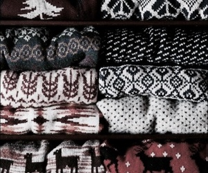 christmas, sweater, and wallpaper image