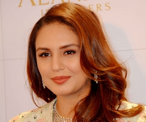 huma qureshi, patna., and launch of a jewelry store image