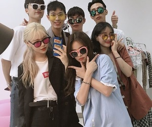 squad, friends, and ulzzang image