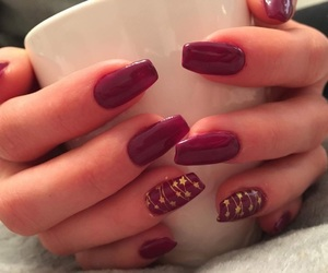 christmas, gold, and manicure image