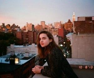 girl, city, and grunge image