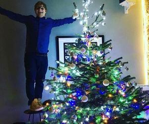 ed sheeran, christmas, and christmas tree image