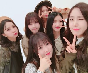 k-pop, sowon, and sinb image