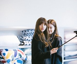 lisa, lalisa manoban, and jennie image