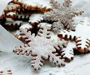 aesthetic, holiday, and snowflakes image
