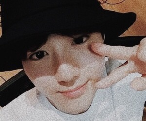 exo, suho, and selfie image