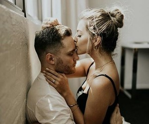 couple, kiss, and lovers image