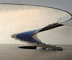 oscar niemeyer and stairs image