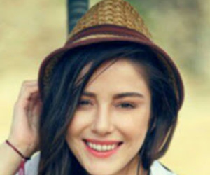 hat, smile, and مسلسلات تركية image