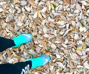 autumn, run, and girl image