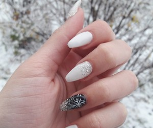 blackandwhite, glitter, and nail image