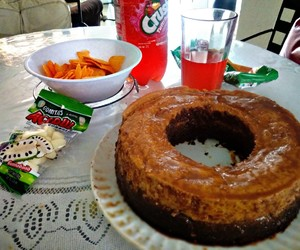 desserts, gomitas, and refresco image