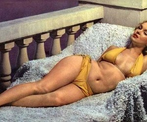 curvy, goddess, and marylin monroe image