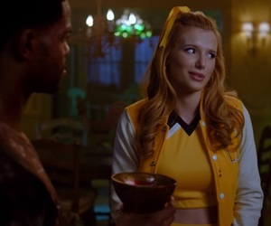 bella thorne and the babysitter image