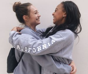 maddie ziegler and nia sioux image
