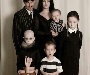 dedos, gomez addams, and Halloween image