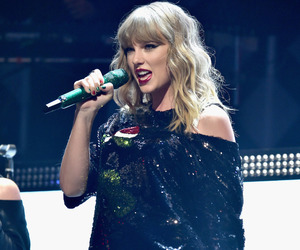 Taylor Swift, Reputation, and performance image