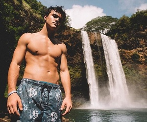 ethan dolan, dolan twins, and ethan image