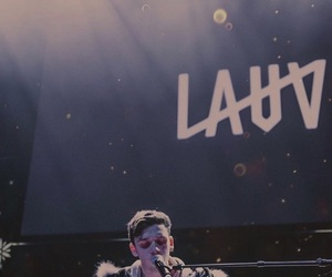 music and lauv image