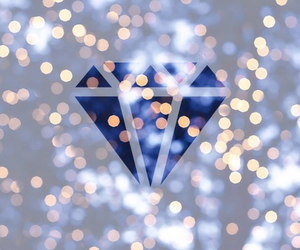 light, christmas, and diamond image