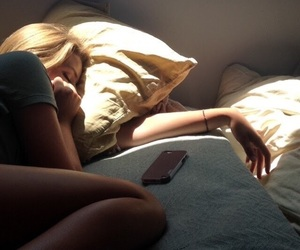 bed, girl, and grunge image