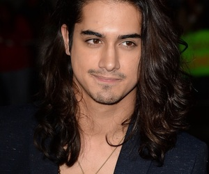 avan jogia and twisted image
