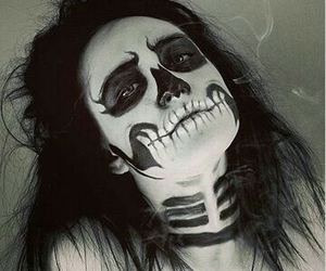 calavera, terror, and Chica image