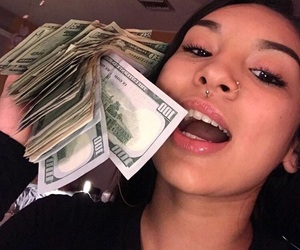 girl and money image