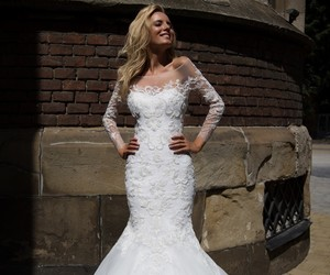wedding dress, formal gowns, and wedding dresses image