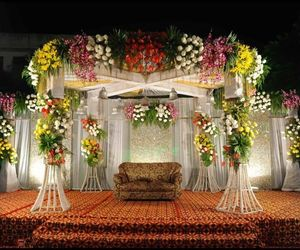 florists and wedding florists image