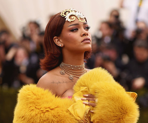rihanna, Queen, and yellow image