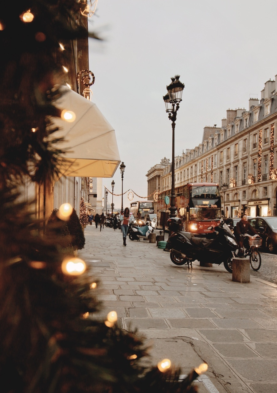 christmas, city, and evening image
