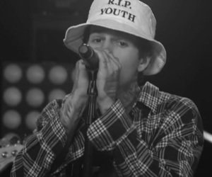jesse rutherford, theneighbourhood, and rip 2 my youth image