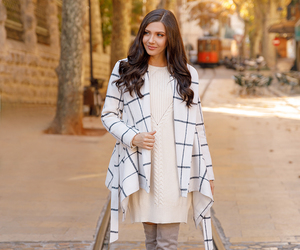 fashion blogger, larisa costea, and fall outfit image