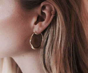 accessoires, beauty, and hoops image