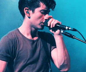 alex turner, arctic monkeys, and am image