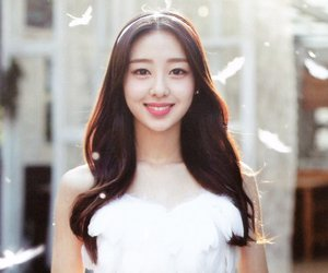 kpop, new, and yves image