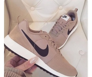 nike, nike shoes, and shoes image