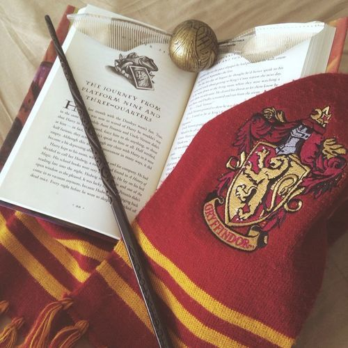 Harry Potter Wallpaper We Heart It: Gryffindor Aesthetic On We Heart It