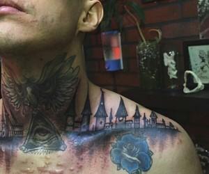 chico, flor azul, and tatuaje en el pecho image