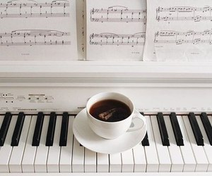 music, piano, and aesthetic image
