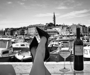 heels and city image