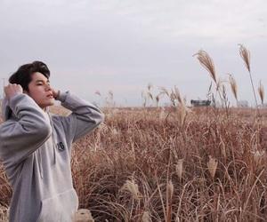 ong seongwoo and wanna one image